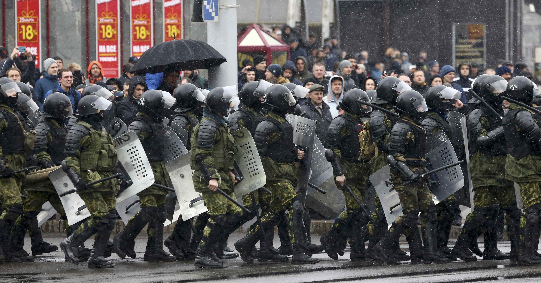Отряды ОМОН в Минске в День Воли 25 марта 2017