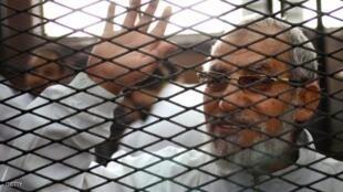 """دادگاهی در مصر، """"محمد بدیع"""" رهبر اخوانالمسلمین را به حبس ابد محکوم کرد."""