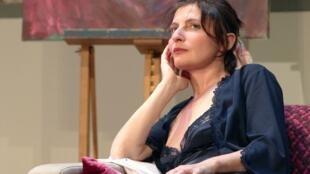 L'actrice Valérie Lang en janvier 2011 pendant la répétition de la pièce « La Nuit sera chaude » au Théâtre de la Renaissance à Paris.