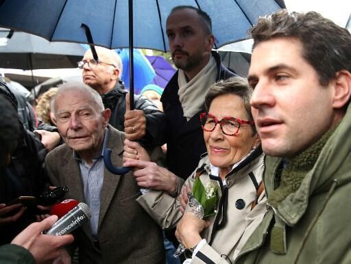 از چندین سال مبارزه حقوقی میان پدر و مادر و همسر ونسان لامبر مبنی بر زنده نگه داشتن وی به صورت مصنوعی، پزشکان فرانسوی امروز تصمیم گرفتند دیگر به این زنده مان مصنوعی پایان ببخشند.