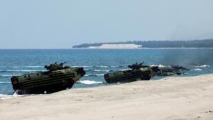 Tàu lội nước của Mỹ đổ bộ lên Philippines trong khuôn khổ cuộc tập trận Balikatan 2019. Ảnh ngày 11/04/2019.