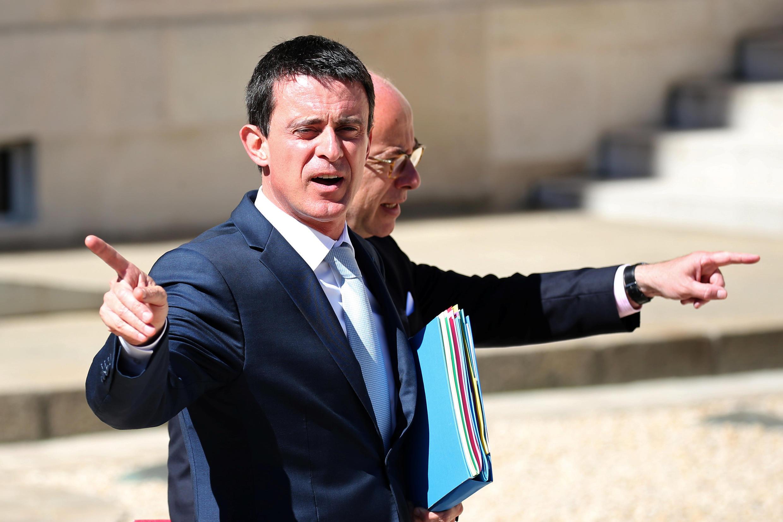 """Thủ tướng Pháp Manuel Valls công nhận tư pháp đã """"thất bại"""" trong việc theo dõi nghi phạm vừa sát hại linh mục ở Normandie."""
