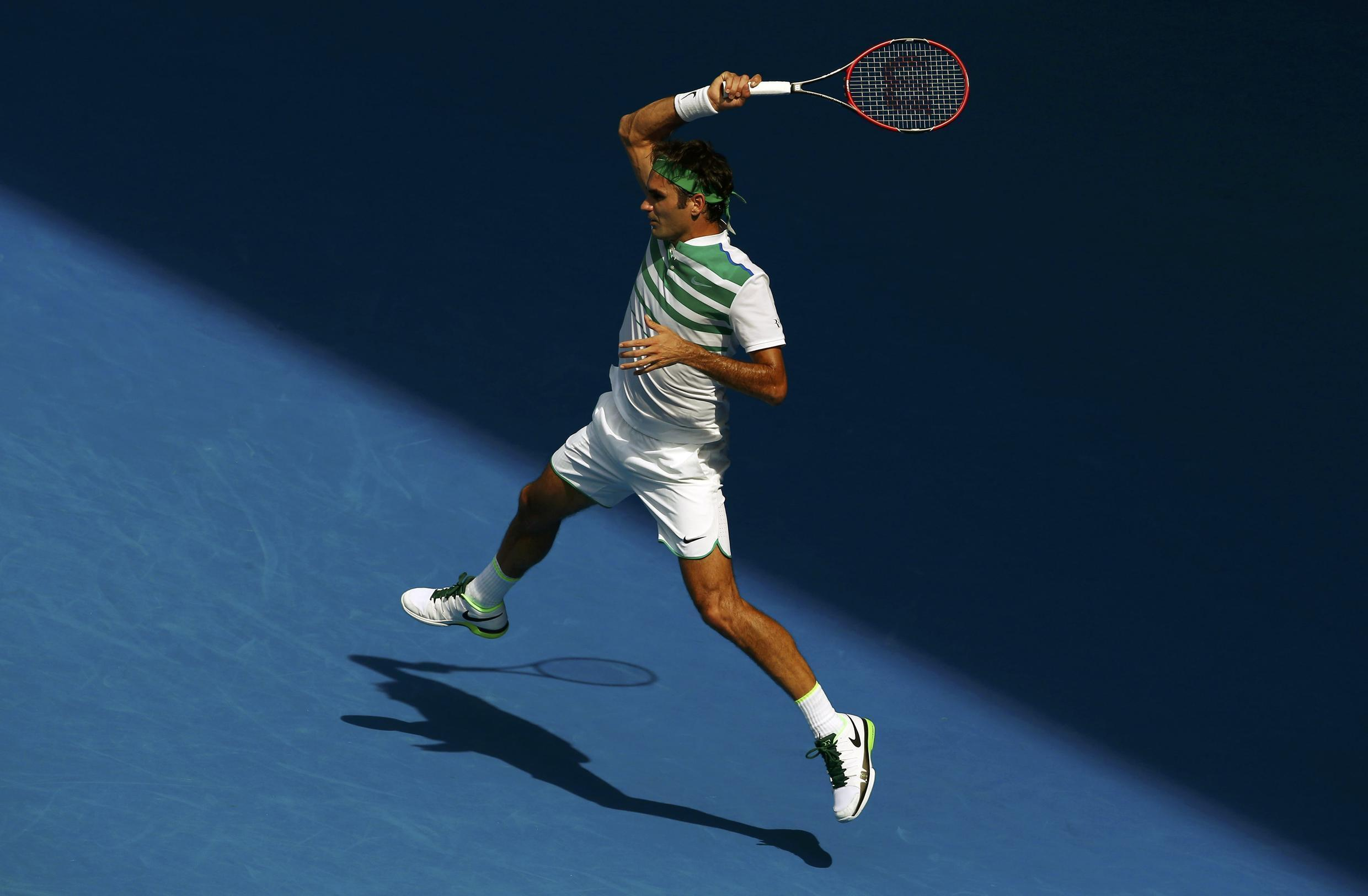 Roger Federer will face Novak Djokovic in the semi final of the Australian Open after beating Tomas Berdych in the quarter final on Tuesday.