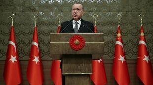 طرح رجب طیب اردوغان، رئیس جمهوری ترکیه برای اعزام نیرو به لیبی با هدف حمایت از دولت وحدت ملی این کشور، روز پنجشنبه دوم ژانویه در نشست عصر پارلمان ترکیه بررسی و تصویب شد.