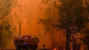 Le responsable des pompiers de Nouvelles-Galles-du-Sud craint que les incendies gagnent encore en ampleur.