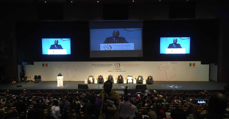 Ouverture du 4ème Forum paix et sécurité à Dakar, le 13 novembre 2017.