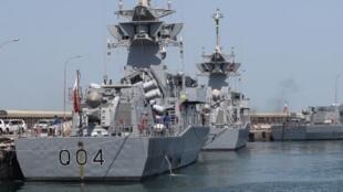 La marine qatarienne ne comptait que sept navires datant des années 1980 et 1990.