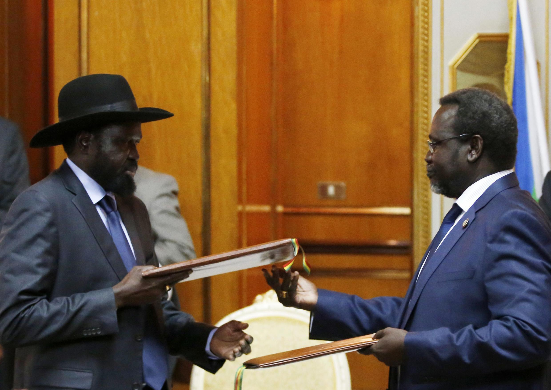 Rais wa Sudani Kusini Salva Kiir na mpinzani wake Riek Machar