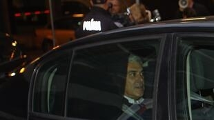 O ex-primeiro ministro português, José Sócrates, passou a terceira noite detido para investigação..