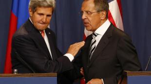 Hai ngoại trưởng Mỹ - Nga John Kerry (T) và Sergueï Lavrov, Genève, 14/09/2013.