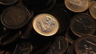 Empréstimo feito pelos europeus ao FMI visando ajudar os países em dificuldades na zona do euro.