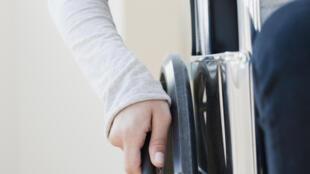 Selon le Haut Conseil à l'égalité entre les femmes et les hommes, 4 femmes handicapées sur 5 sont aujourd'hui victimes de maltraitances.
