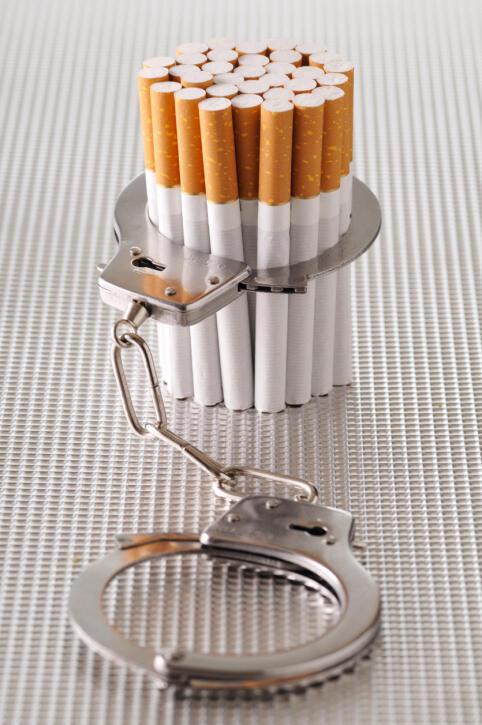 Consumo do cigarro mesmo três meses antes do início da gravidez pode afetar genes do feto.
