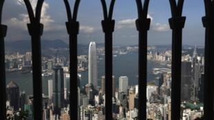 自太平山顶俯瞰香港。摄于2014年9月10日