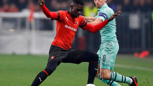 Le Sénégalais Ismaïla Sarr face au Arsenal de Nacho Monreal.