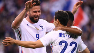 La joie de l'attaquant français Olivier Giroud, après avoir marqué le 2e but face à la Bulgarie, lors de leur match amical, le 8 juin 2021 au Stade de France à Saint-Denis, en guise de préparation avant l'Euro 2020