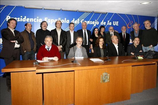 Artistas e intelectuales presentan el manifiesto en Madrid.