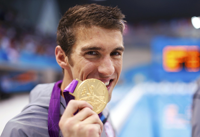 Michael Phelps con su 18° medalla de oro, el 4 de agosto de 2012.