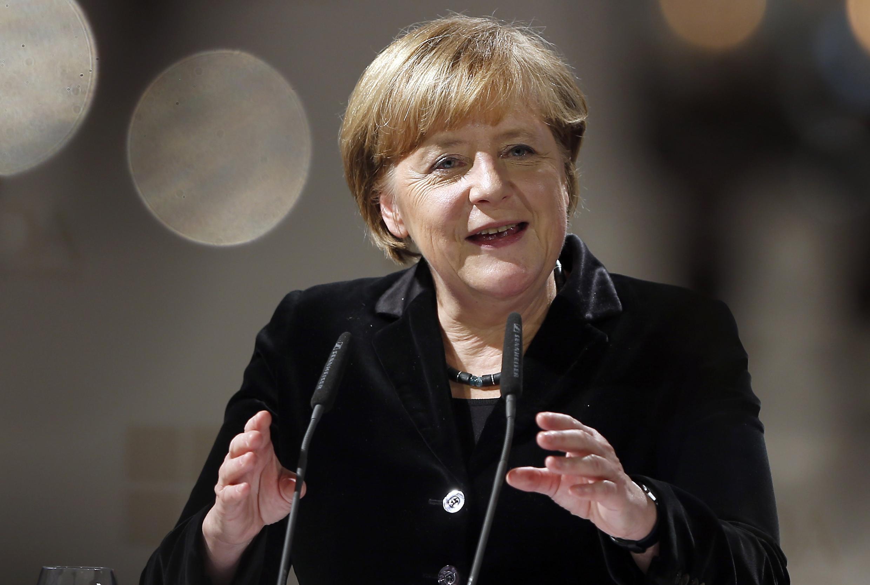 A chanceler alemã, Angela Merkel, pediu esclarecimentos sobre a espionagem efetuada pelos serviços secretos americanos no país.