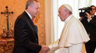 Papa Francisco durante encontro com o presidente turco Tayyip Erdogan no Vaticano.