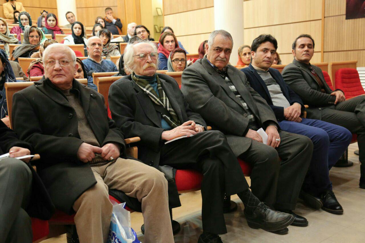 از چپ: رهنورد زریاب، محمود دولتآبادی و حسین فخری