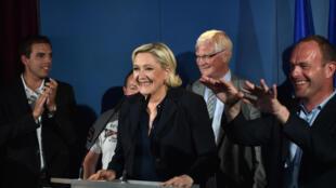 Marine Le Pen lors de son allocution dimanche soir à Hénin-Beaumont après l'annonce de sa victoire au 2e tour de l'élection législative.