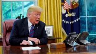 O presidente dos Estados Unidos, Donald Trump, telefonou nesta segunda-feira (27) para o presidente mexicano, Enrique Peña Nieto para celebrar a conclusão do acordo comercial entre os dois países.
