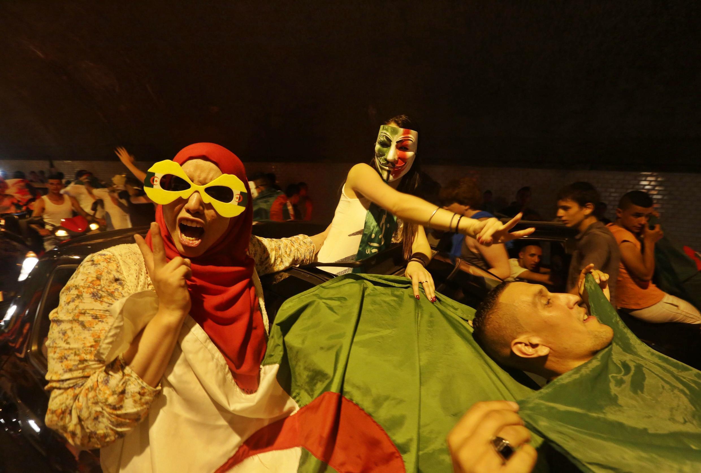 'Yan kasar Algeria suna bikin samun nasara a gasar cin kofin duniya da ake gudanarwa a Brazil