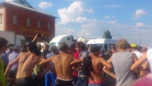 Столкновения протестующей молодежи с полицией в г. Пугачеве