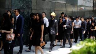 香港律师界游行呼吁独立调查反对修订逃犯条例风波,2019年8月7号