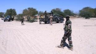 Wanajeshi wa Niger wakipiga doria kwenye eneo la mpaka na Nigeria.