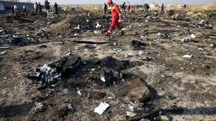 Les boîtes noires ont été retrouvées sur les lieux du crash mais elles sont endommagées.