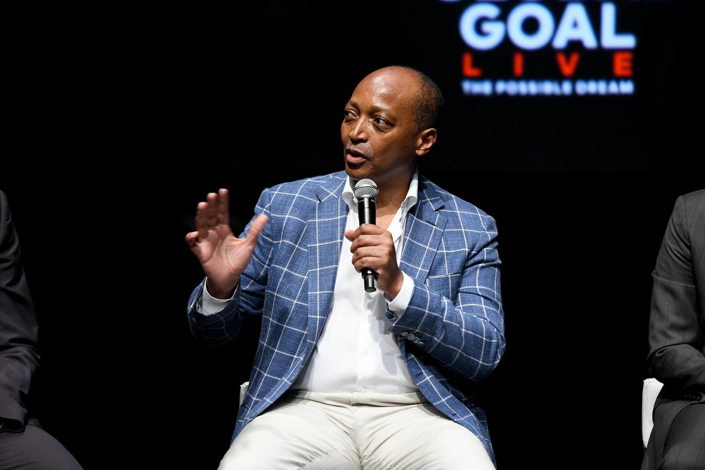 Rais wa klabu ya Mamelodi Sundowns Patrice Motsepe, anayetarajiwa kuwa rais wa Shirikisho la soka barani Afrika