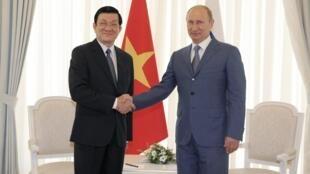 دیدار ولادیمیر پوتین- رئیس جمهوری روسیه، با ترونگ تان سانگ- رئیس جمهوری ویتنام. ٦ مرداد/ ٢٧ ژوئیه ٢٠١٢