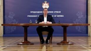 Le président Aleksandar Vucic s'adresse à la nation, après les manifestations à Belgrade, 8 juillet 2020.