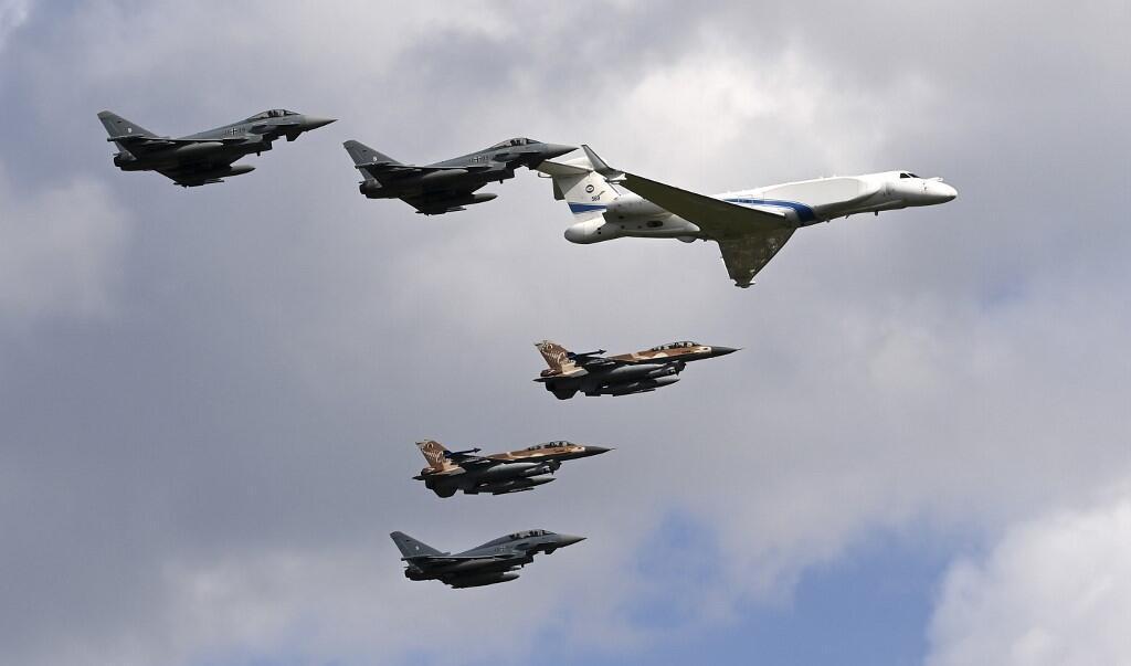 យន្តហោះចម្បាំង «Eurofighter» របស់យោធាអាល្លឺម៉ង់ និង យន្តហោះប្រដេញ  F16 របសអ៊ីស្រាអែល ហោះរួមគ្នានៅថ្ងៃទី ១៨ សីហា ២០២០