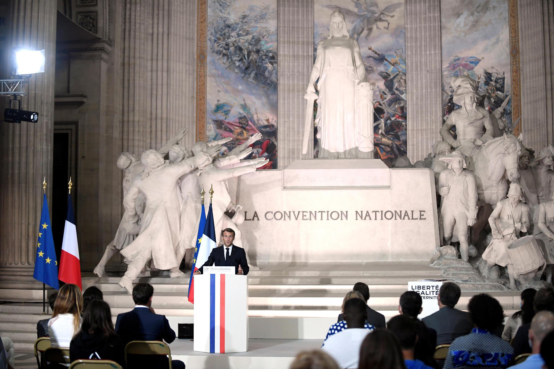 2020-09-04T124956Z_887013376_RC2ORI9AJ100_RTRMADP_3_FRANCE-POLITICS-MACRON