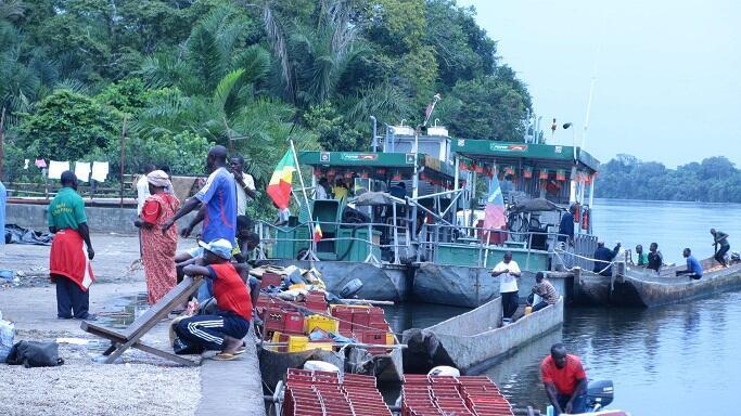 Le port fluvial d'Oyo, au Congo-Brazzaville.