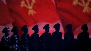 Buổi trình diễn ca nhạc của quân đội Bắc Triều Tiên nhân lễ bế mạc Đại hội lần thứ 7 của đảng Lao Động Bắc Triều Tiên tại Bình Nhưỡng, ngày 11/05/ 2016.