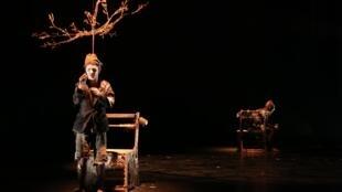« Frères de Sang » e « Dos à Deux 2°ato » ficam em cartaz no Festival de Avignon até 31 de julho.