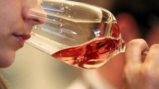 Nước Pháp đứng đầu trong ngành sản xuất rượu rosé, một đặc sản nổi tiếng vùng Provence