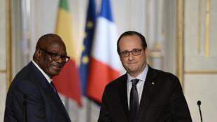 François Hollande et Ibrahim Boubacar Keïta (g.) à Paris, le 21 octobre 2015.