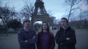 """Cantadores de Paris"""