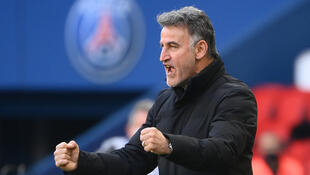 Lille coach Christophe Galtier says his squad has to exploit its chance for Ligue 1 success.