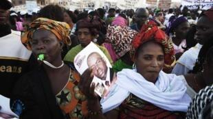 Des supportrices de Macky Sall, le 23 mars 2012, pendant la campagne pour l'élection présidentielle au Sénégal.