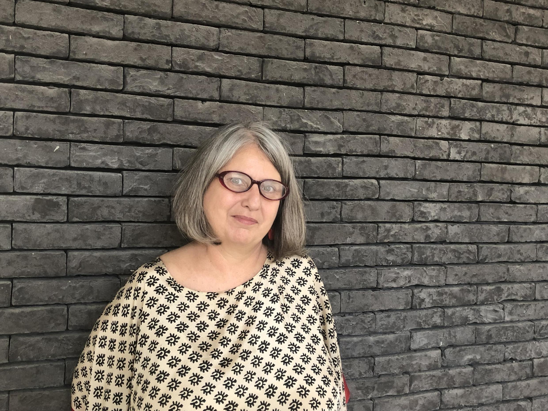 De passagem por Paris, Miriam Grossi, presidente da Associação Nacional de Pós-graduação e Pesquisa em Ciências Sociais (ANPOCS), teme o impacto do corte de bolsas de estudos na produção acadêmica do país.