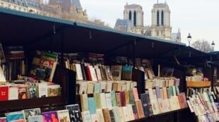Букинисты—неотъемлемая часть классического парижского шарма, наравне схудожниками сплощади Тертр наМонмартре.