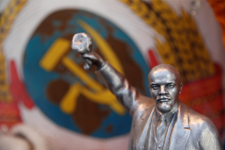 Сувенирный Ленин в магазине в центре Москвы