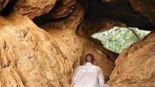 Misirikɔrɔ kulu, Sikasso, Mali jamana na, cɛ dɔ sigilendon silamɛw ka yɔrɔ la.