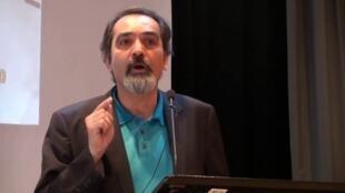مهران مصطفوی، پژوهشگر و فعال سیاسی ساکن فرانسه